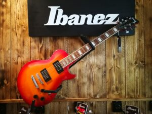 Ibanez ART120 CRS Cherry Sunburst