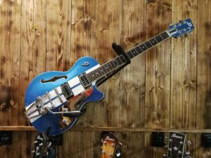 Duesenberg Starplayer TV Alliance Mike Campbell I Signature Guitar incl. Case, B-Stock