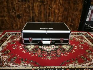 Mooer TF-20H Transform Pedalboard with Hard Case