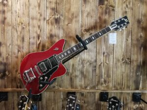 Duesenberg Paloma Red Sparkle, 6-String E-Guitar + Hardcase