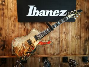 """Ibanez PS4CM Paul Stanley Signature, """"The Cracked Mirror, Gold + Hardcase"""