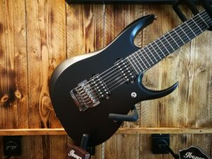Ibanez RGD7UCS-ISH Prestige E-Guitar Uppercut 7-String Invisible Shadow incl. Case