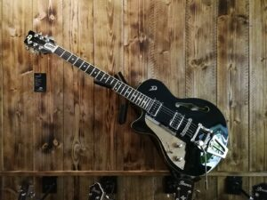 Duesenberg Starplayer TV, Black Lefthand E-Guitar + Hardcase