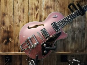 Duesenberg Starplayer TV Catalina Sunset Rose + Case