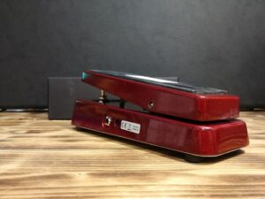 Dunlop GCB95RD - Cry Baby - Original Wah - Special Edition, Sparkly Red
