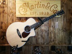 Martin SC-13E Acoustic Guitar + Preamp + GigBag