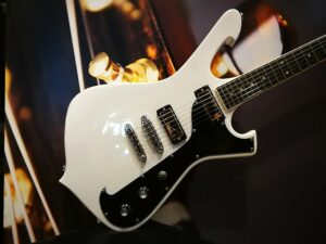 Ibanez FRM200-WHB Paul Gilbert Signature E-Gitarre White Blonde