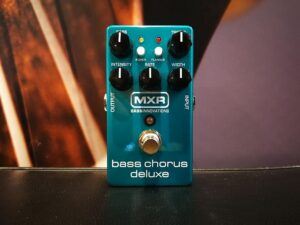 MXR M83 - Bass Chorus Deluxe