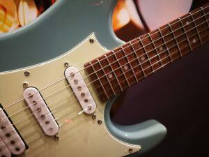 Ibanez AZES40-PRB E-Guitar 6 String - Purist Blue