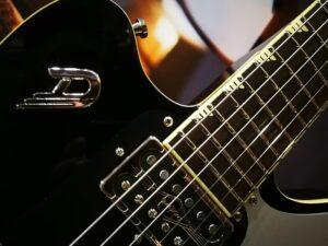 Duesenberg Falken Tremolo E-Guitar 2021, Black + Case